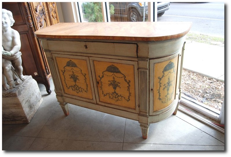 5 ways to bring the tuscan style into your home 80 for Empire antiques new orleans