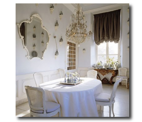Axel-Vervoordt-Blue-White-Dining-Room
