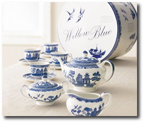 Blue Willow Tea Set - Buy It On Amazon