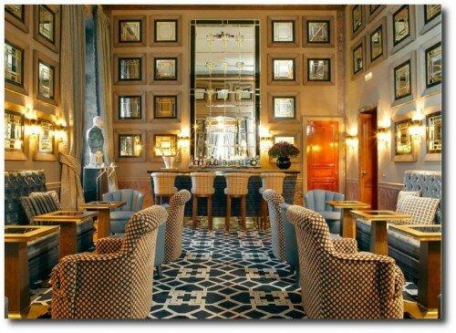 Salon Chivas in the Santo Mauro Hotel