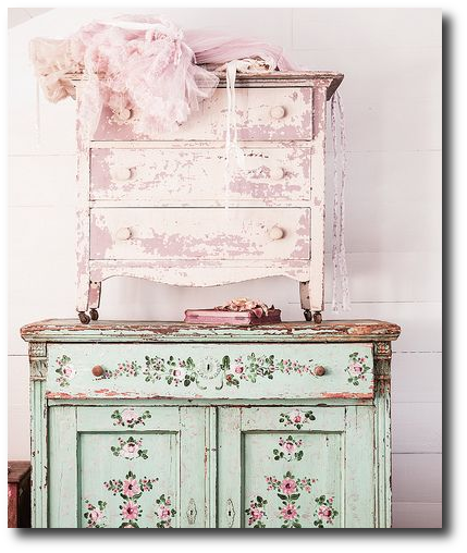 Couture Prairie by Rachel Ashwell, Rachel Ashwell, White Decorating, Shabby Chic Decorating, Distressed Furniture, Cottage Style, Flea Markets