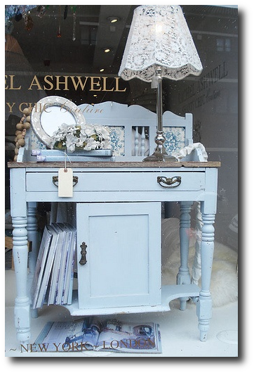 Rachel Ashwell Shabby Chic Couture, Rachel Ashwell, White Decorating, Shabby Chic Decorating, Distressed Furniture, Cottage Style, Flea Markets