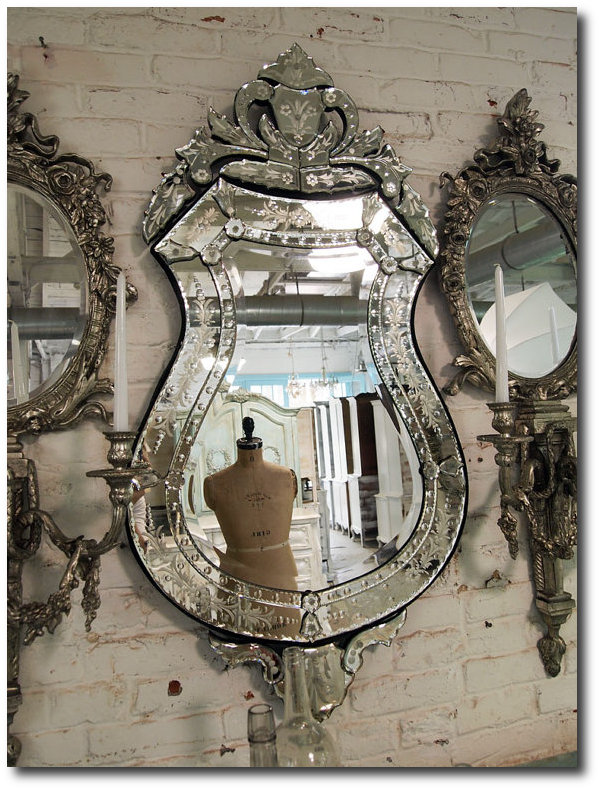 Venetian Mirrors Still Remain Highly Collectable