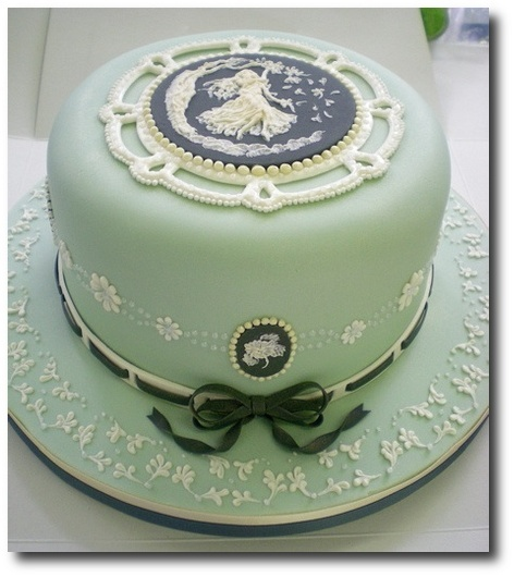 Cameo Cake 2 by rosey sugar on Flickr