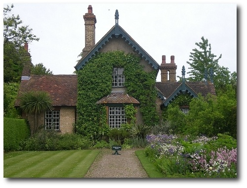 Cottage at Polesden Lacey on Flickr