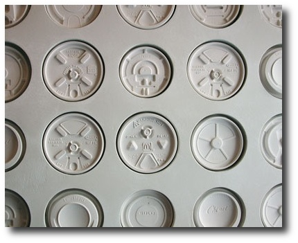 Ini-Ani-Coffee-Shop-wall-detail-coffee-cup-lids