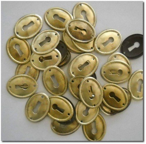 VINTAGE BRASS KEY HOLE ESCUTCHEON PLATES